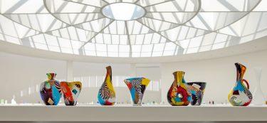 """Vase """"Olaf"""", Serie """"Oriente"""" (Installationsansicht), c. 1952, Dino Martens für Aureliano Toso, XXVI. Biennale di Venezia, 1952, Foto: Anna Seibel Dino Martens for Aureliano Toso, XXVI. Biennale di Venezia, 1952, Photo: Anna Seibel"""