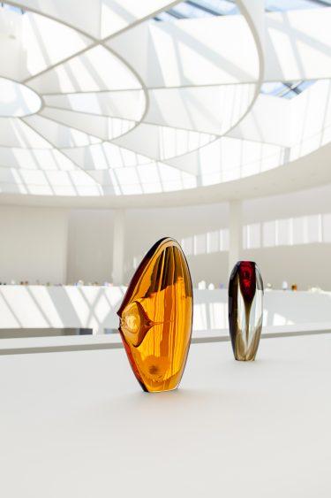 "Vasen ""Pesce"" und ""Tulipano"" (Installationsansicht), c. 1960, Alfredo Barbini, XXX. Biennale di Venezia, 1960, Foto: Anna Seibel"
