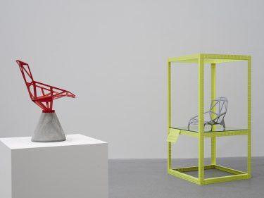 """Blick in die Ausstellung """"Konstantin Grcic: The Good, The Bad, The Ugly"""", Foto: Gerhardt Kellermann © Konstantin Grcic"""
